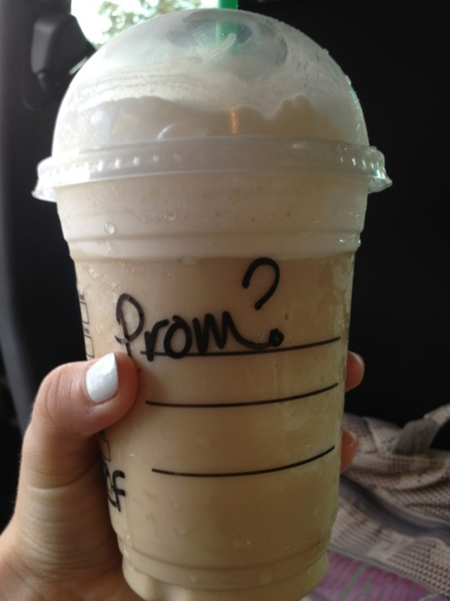 cute way to ask someone to prom #ideas   I'd like to be asked to prom like this. :)