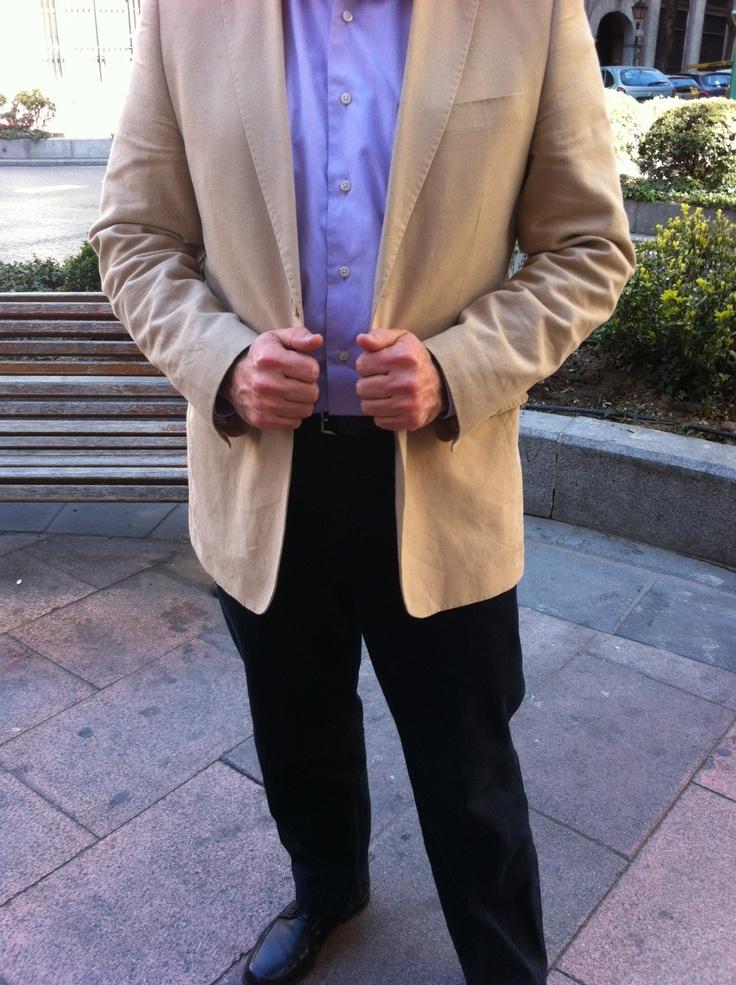 Early spring downtown walking afterwork 2.0 - Camisa de Dustin, americana de Boston, pantalón de Dockers, cinturón de Gucci y zapatos negros de Mario Rossi