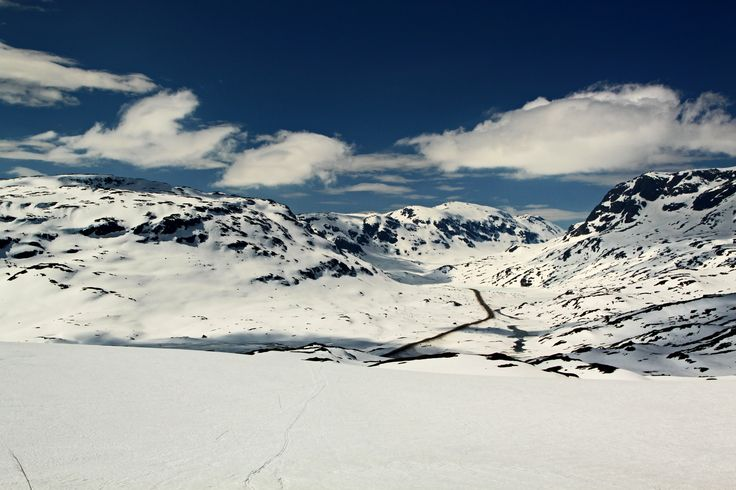 Skitur Haukelifjell 19.mai. Norway. https://www.flickr.com/photos/46637435@N04/sets/72157645276804996/