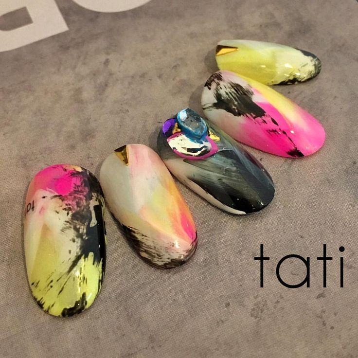 いいね!1,376件、コメント7件 ― tati 竹原千晴さん(@tati_nail)のInstagramアカウント: 「ベースの作り込みを変えて また新しいニュアンスです。 ・ ・ #nailart #nails#naildesign #design #art #gelnail #ネイルアート#ネイル…」
