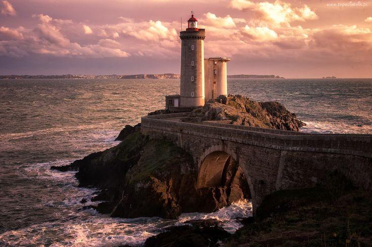 Morze, Skałki, Latarnia morska
