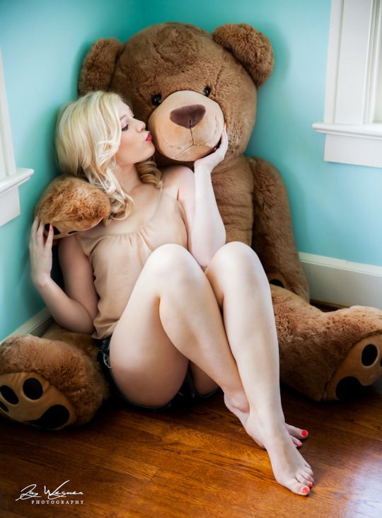 Woman fucked on top of bear