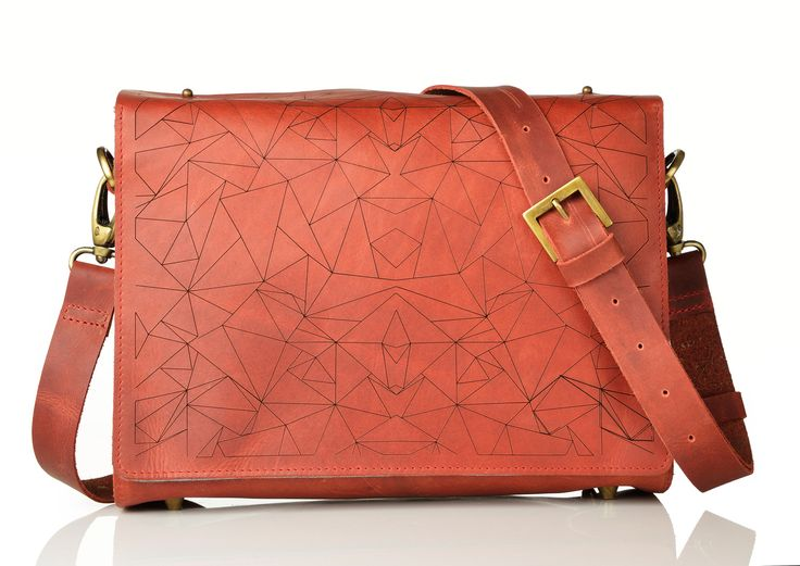 Urban Saddle Bag- Such neat detailing ... wow! More from the designers at  http://ofindianorigin.co.uk/design-2/rustic-leather-collections/
