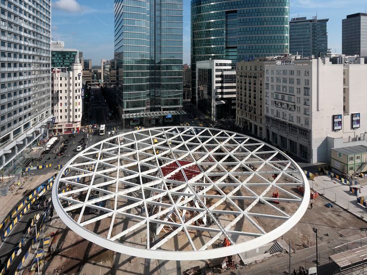 Over the last 3 months the Spanish constructors EMESA have been working on the erection of the canopy at Place Rogier. In September the temporary supports were taken away and the canopy became self-supporting. From November on cladding of the canopy with an ETFE tensile membrane will start. The triangles of the canopy will be …