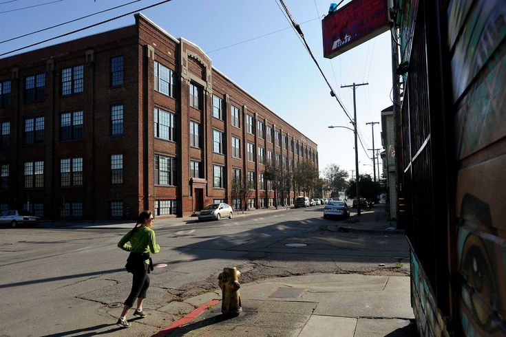 Oakland falling behind in push to add housing By Carolyn Jones Updated 10:32 am, Friday, November 28, 2014
