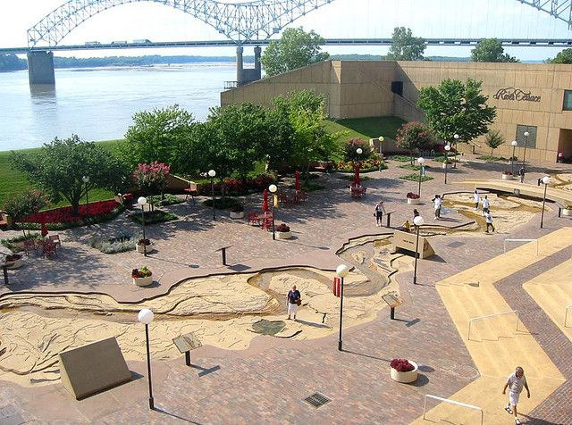 Mud Island Mississippi River Replica