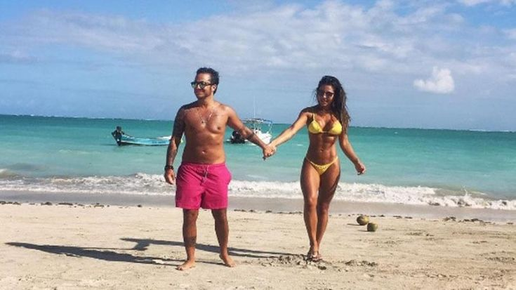 Voltaram? Thammy Miranda e Andressa Ferreira curtem praia de mãos dadas  http://popzone.tv/2017/01/voltaram-thammy-miranda-e-andressa-ferreira-curtem-praia-de-maos-dadas.html