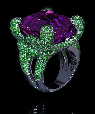 Ring Iguana - buy in Mousson Atelier - black gold, amethyst 34,58 ct., tsavorites