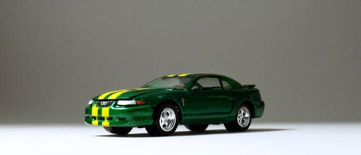 2000 Ford Mustang GT - Johnny Lightning