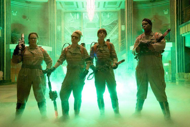 Escena del nuevo trailer de la película los caza fantasmas. Chicas protagonistas