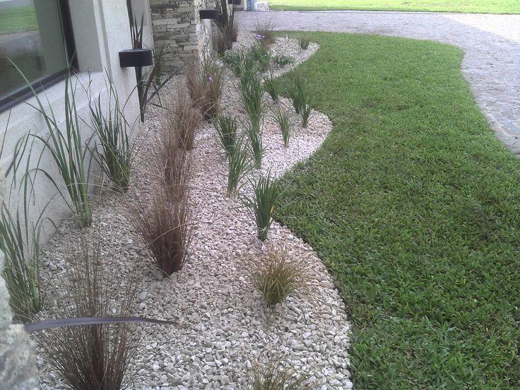 Dise o de canteros con piedra proyectos que intentar - Jardines con piedras blancas ...