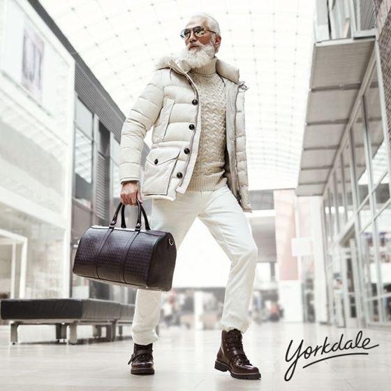 Fashion Santa Claus z kanadského obchodního domu dobývá sociální média : Marketing journal
