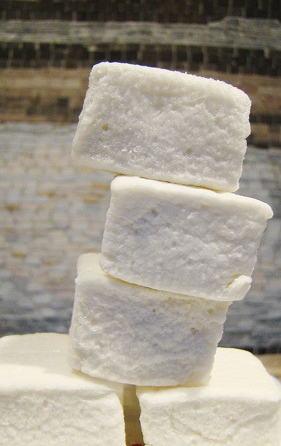 Vegan Marshmallows | Flickr - Photo Sharing! 4 teaspoons agar-agar powder, 1 cup cold water, 1 3/4 cups granulated sugar, 3/4 cup light corn syrup, 2 tablespoon vanilla extract, 1/4 cup arrowroot, 1/4 cup confectioners sugar (Use organic sugars and organic corn syrup)
