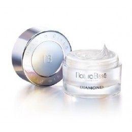 NATURA BISSE DIAMOND WHITE RICH LUXURY CLEANSE Luminosa crema limpiadora Rica micro-emulsión limpiadora que elimina impurezas y todo tipo de maquillaje, ofreciendo como resultado una tez extremadamente suave y radiante. Este exquisito limpiador de propied