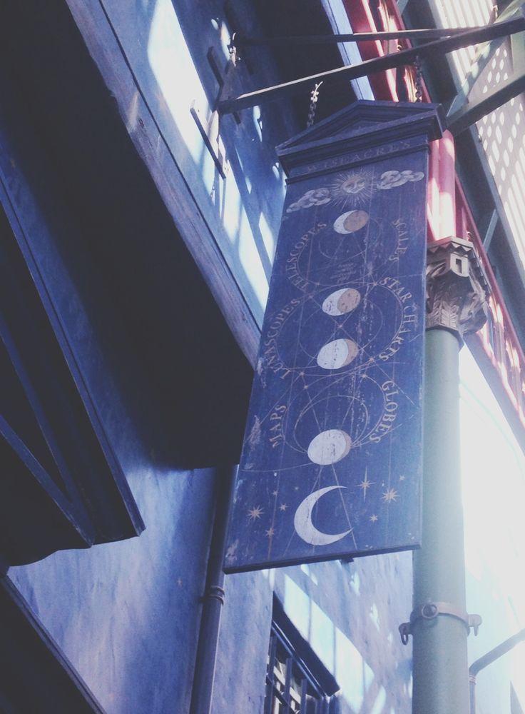 negozio di arte occulta