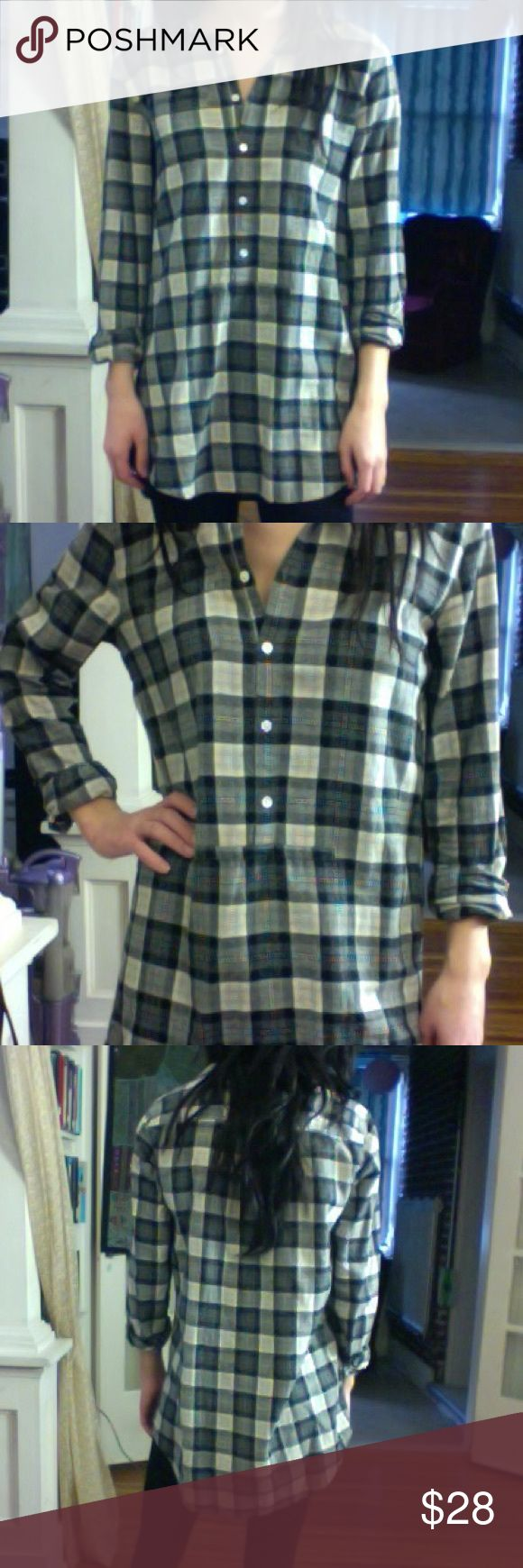 J.Crew flannel tunic Long-sleeve flannel tunic from J.Crew. A few inches longer in the back than in the front. Buttons halfway down the shirt.  Black and gray plaid pattern. Tag says x-small, but definitely fits like a small. Absolutely perfect with leggings! Like-new condition. J. Crew Tops Tunics
