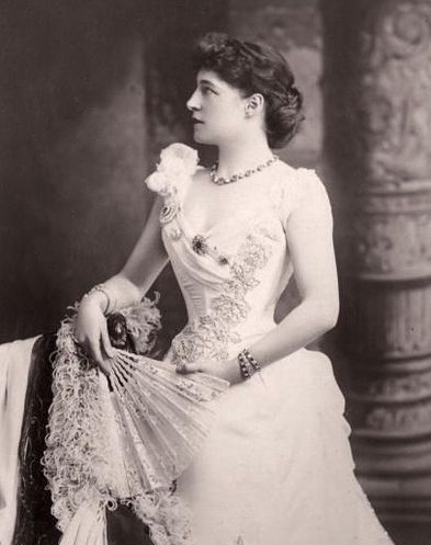 Lilly Langtry  - no wonder the King was in love with her!Photography Historical, Vintage Photos, Victorian Lady, 1837 1901 Victorian, Vintage Photography, Jersey Lilies, Vintage Pics, Lilly Langtry, Lilies Langtry