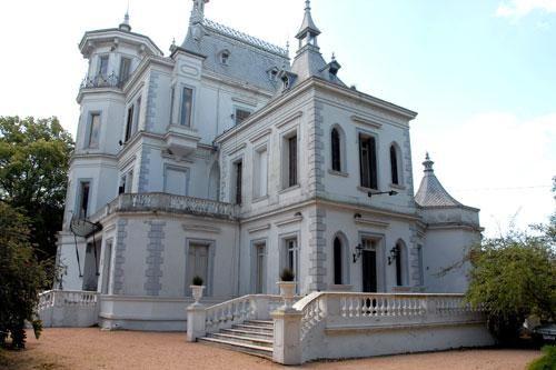 Palacio Idiarte Borda (Lezica, Uruguay), construido 1896 como residencia del Presidente de la República Oriental del Uruguay, Juan Bautista Idiarte Borda (1844-1897). Montevideo, Uruguay. http://municipiog.montevideo.gub.uy/system/files/imagecache/articulo_completa/1_1.jpg