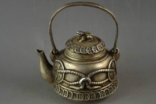 Exquisite Chinese Old Handwork Miao Silver Carve Coin & Frog Lid Get Rich Auspicious Teapot