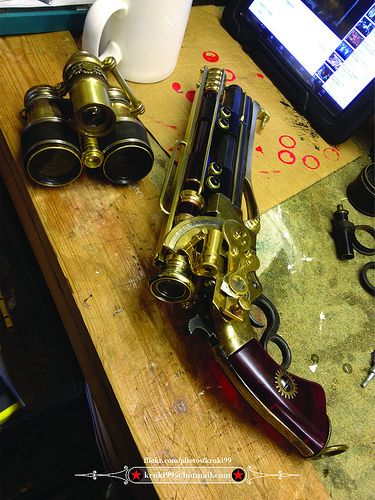 Steampunk pistol 01 and trinoculars 01 01