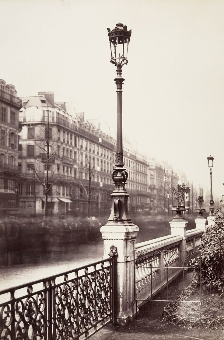 Near Arts et Métiers in 1864. | These Intriguing Photos From The 1860s Show A Paris That No Longer Exists