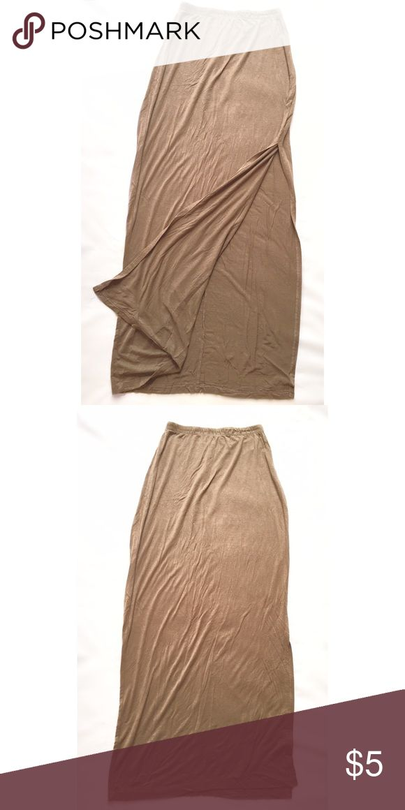 Tan long maxi skirt Gently used tan maxi skirt with one slit on the side Skirts Maxi