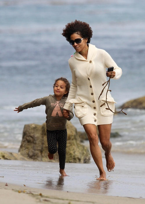 305 Best Images About Classy Halle Berry On Pinterest
