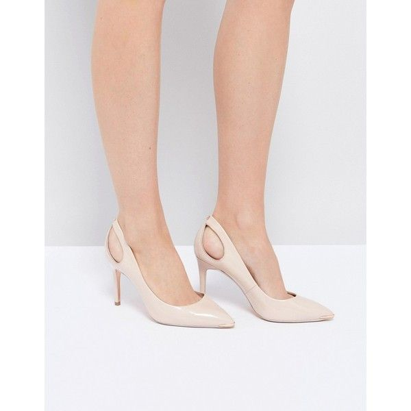 Ted Baker Jesamin Nude Patent Bow Cutout Court Shoes (265 CAD) ❤ liked on Polyvore featuring shoes, pumps, beige, beige pointed toe pumps, slip-on shoes, beige patent leather pumps, high heel pumps and nude pumps