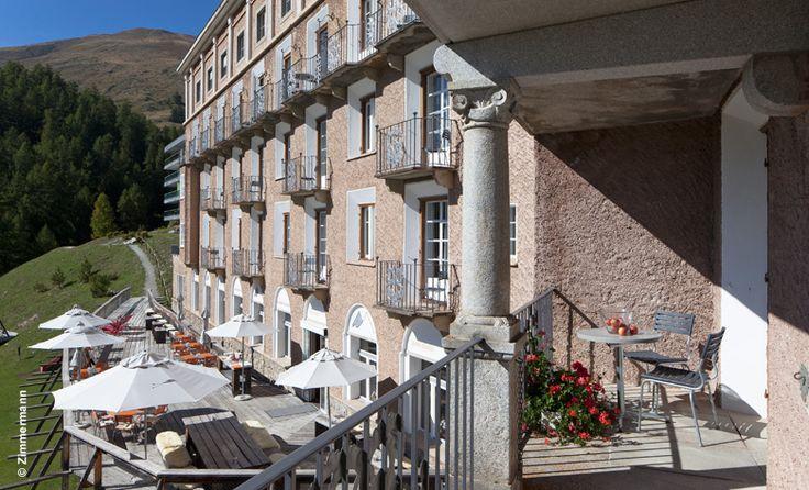 Schweiz, Zuoz, Hotel Castell: Unser neuer Hoteltipp für die Schweiz: das Hotel Castell in Zuoz. Ein wundervoller, von Natur und Kunst geprägter Ort: http://www.luxuszeit.com/hotelbewertung/hotel-castell-zuoz.html