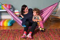 Playa Berry Hängmatta  HAMACA Playa hängmatta är den perfekta hängmattan till barnen eller en vuxen på upp till 80kg. Den är riktigt smidig att ha med sig på utflykter, då den inte tar så stor plats. Den finns i 3 färgglada versioner.