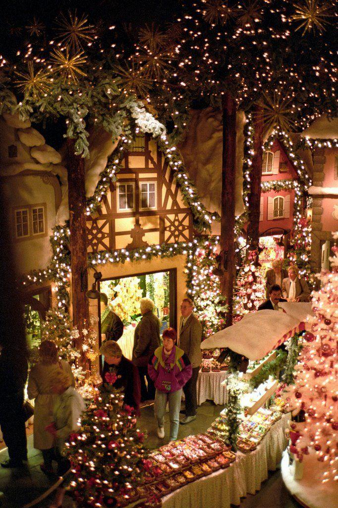 Rothenburg ob der Tauber at Christmas time, Rothenburg, Germany