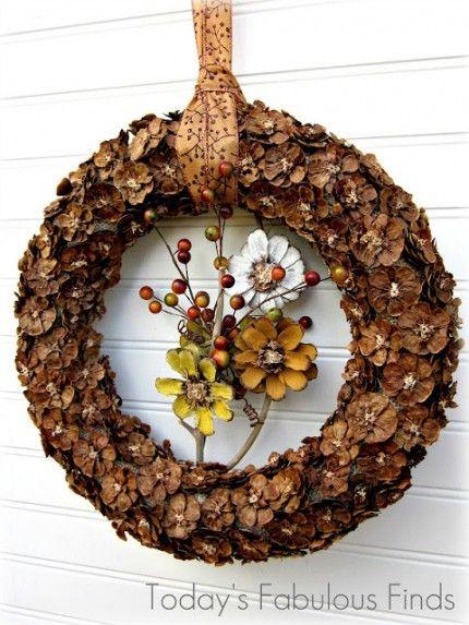 LOVE this Pine Cone Flower Wreath featured on homeandgarden.craftgossip.com