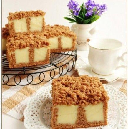 Бисквитена торта на дупки с ванилов крем