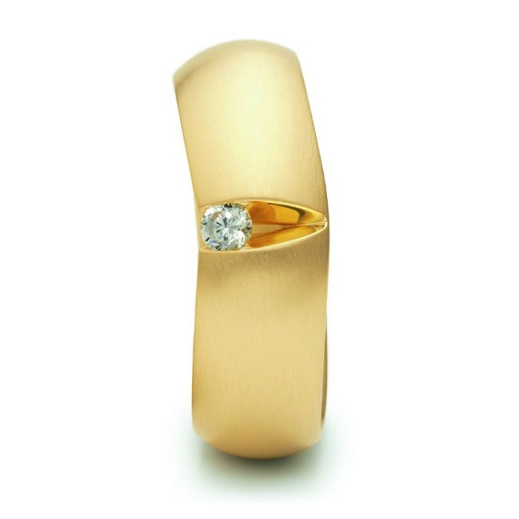 Almond Ring 0.12ct Yellow Gold by Niessing #gold #Niessing #jewellery #catherinejonesofcambridge #ring