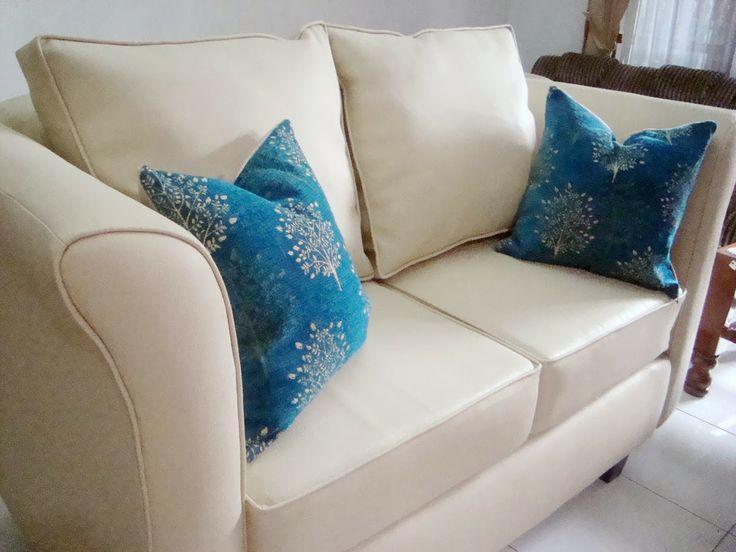 sofa ivory 2seat