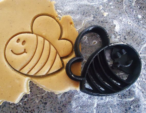3D Printed Bee Cookie Cutter by MakingItNice on Etsy
