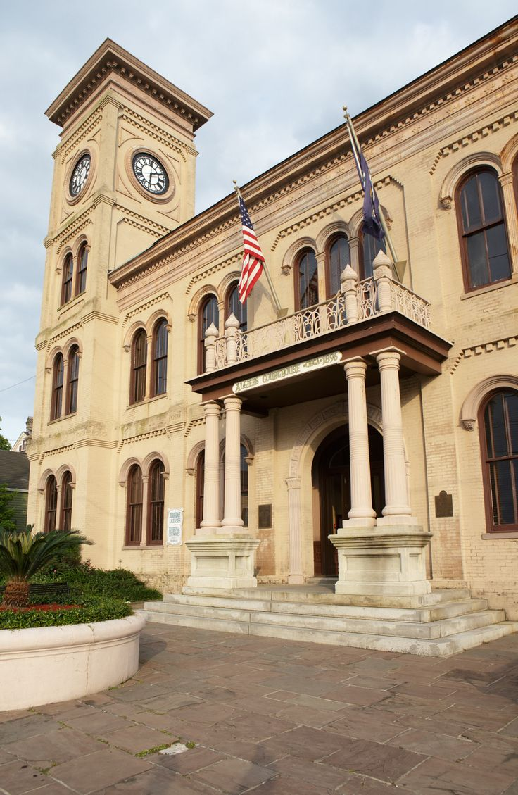 5 REASONS TO HAVE A COURTHOUSE WEDDING Courthouse