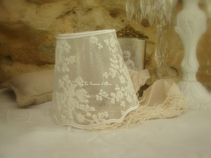 9 best shabby lampshades images on pinterest lampshades for Bougeoir shabby chic