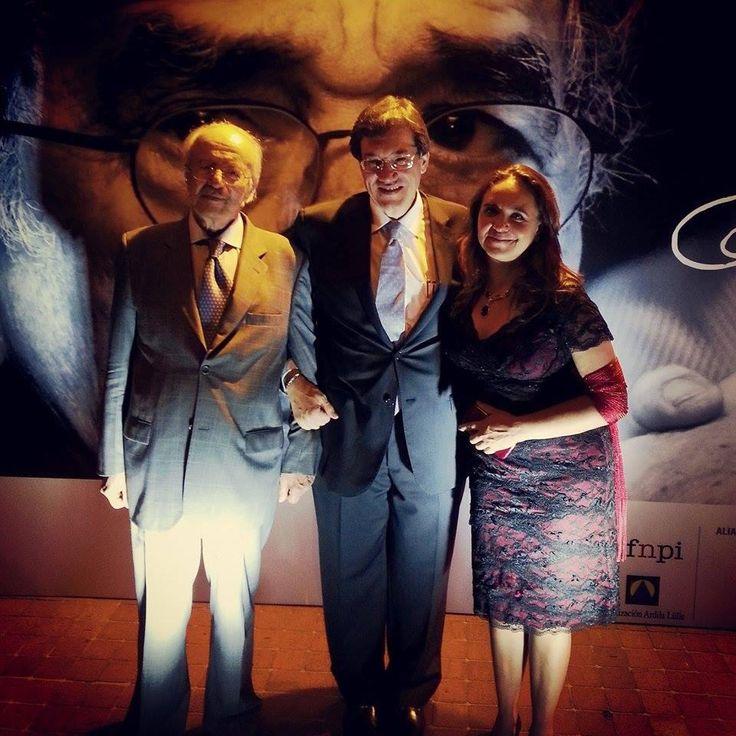 Maestro Javier Darío Restrepo y la periodista Marcela Turati, ganadores de la categoría Excelencia del Premio Gabriel García Márquez, con Jaime Abello, Director de FNPI.  Foto: Julián Roldán Alzate/FNPI.