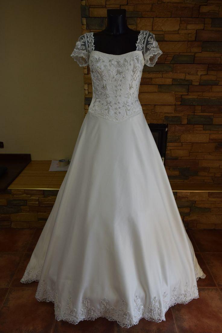 nové svatební šaty