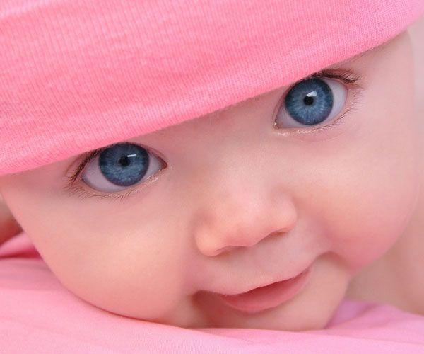 Классные обои на стол ребенок с голубыми глазами
