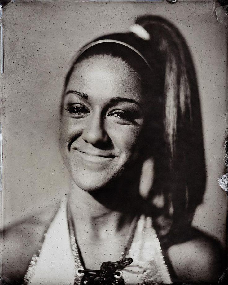 Beautiful vintage portraits of modern Superstars: photos