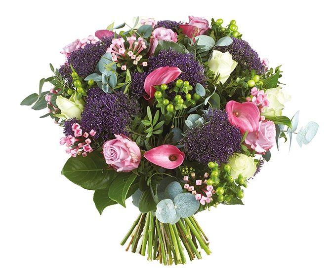 Bloemen van DEEN worden gratis thuis bezorgd, komen dagelijks vers van de veiling en worden met de hand gebonden door professionele bloemisten. Zeker 1 week vaasgarantie! Dit boeket bevat: •Roos roze •Roos wit •Calla roze •Trachelium paars  •Statice paars •Hypericum groen •Bouvardia roze