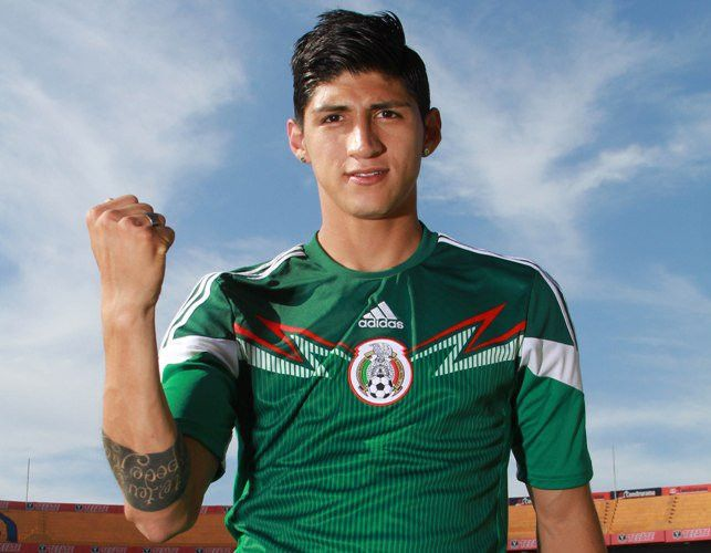 25YearOld delantero mexicano Alan Pulido Secuestra...