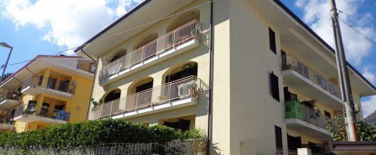 Proponiamo in locazione appartamento di circa 66 mq composto da ingresso soggiorno con angolo cottura, camera da letto e bagno. Ottime rifiniture.