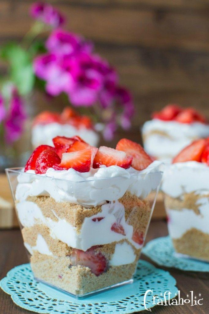 γλυκό με φράουλες