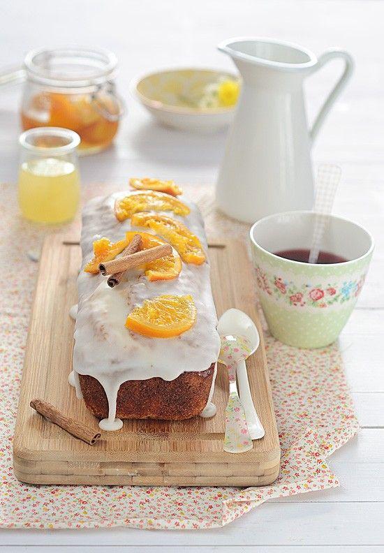 Es delicioso! este bizcocho con un suave toque a anís y naranja te encantará. Te comparto mi receta: http://blogmegasilvita.com/2014/11/bizcocho-de-anis-naranja-confitada-y-canela-con-paso-paso-para-confitar-naranja.html