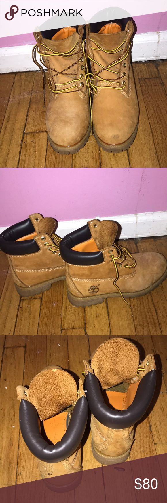 WHEAT TIMBERLANDS BOOTS- SLIGHT SHOW OF WEAR Slight scuffs on show can be cleaned. Size 9 Timberland Shoes