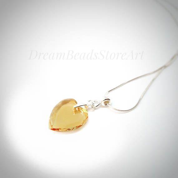 US30.00 Swarovski crystal heart silver necklace #swarovskicrystals #swarovskiheart #swarovskichoker #swarovskinecklace #swarovskijewelry #heartschoker #heartsjewelry #heartgift #swarovskigift #heartformom #heartforwife #husbandheart #valentinesday #valentinesdaygift #valentinesheart