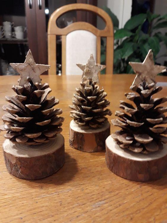 Artisanat de Noël bricolage pin cone – DIY chérie – #artisanat #bricolage #ch…